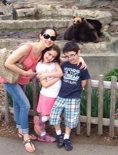 Анжелика Крылова с детьми Стеллой и Энтони